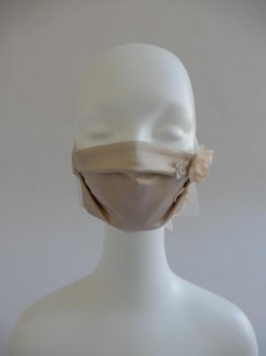 さえら【レインダンス】のお洒落なサテンマスク